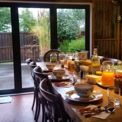 Designer Cottage Breakfast